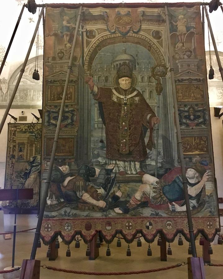 Gonfalone dell Citta di Milano Wandteppich Castello Sforzesco Mailand Italien