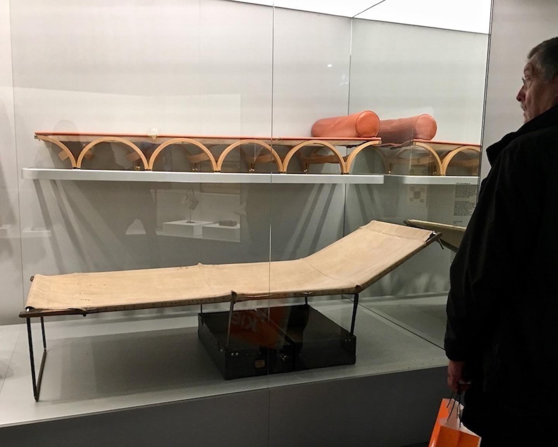 Louis Vuitton Time Capsule Exhibition Mailand Italien Ausstellungsstücke