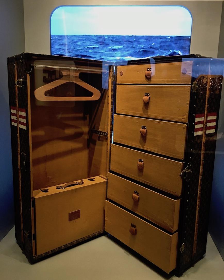 Louis Vuitton Time Capsule Exhibition Mailand Italien Reisekoffer
