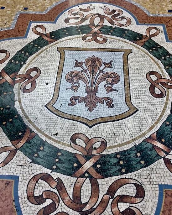 Mosaikboden Galleria Vittorio Emanuele II Mailand Italien Stadtwappen Florenz