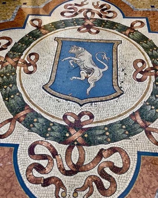Mosaikboden Galleria Vittorio Emanuele II Mailand Italien Stadtwappen Turin