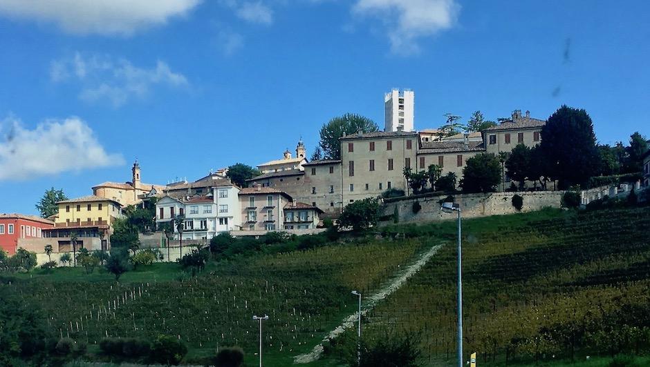 Neive Piemont Italien