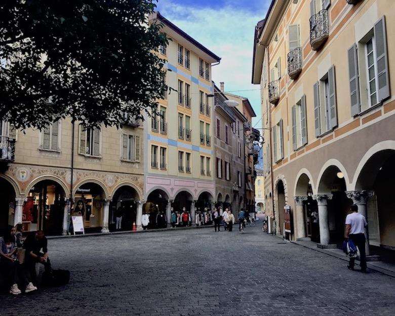 Bellinzona Historische-Altstadt Festungsanlagen UNESCO-Weltkulturerbe Tessin Schweiz Piazza Nosetto Bellinzona Schweiz