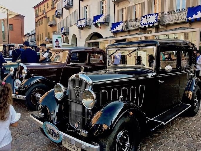 Piazza Risorgimento Piazza Duomo Alba Italien Oldtimertreffen