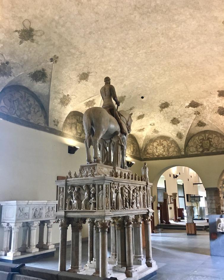 Reiterstatue Bernabo Visonti Castello Sforzesco Mailand Italien