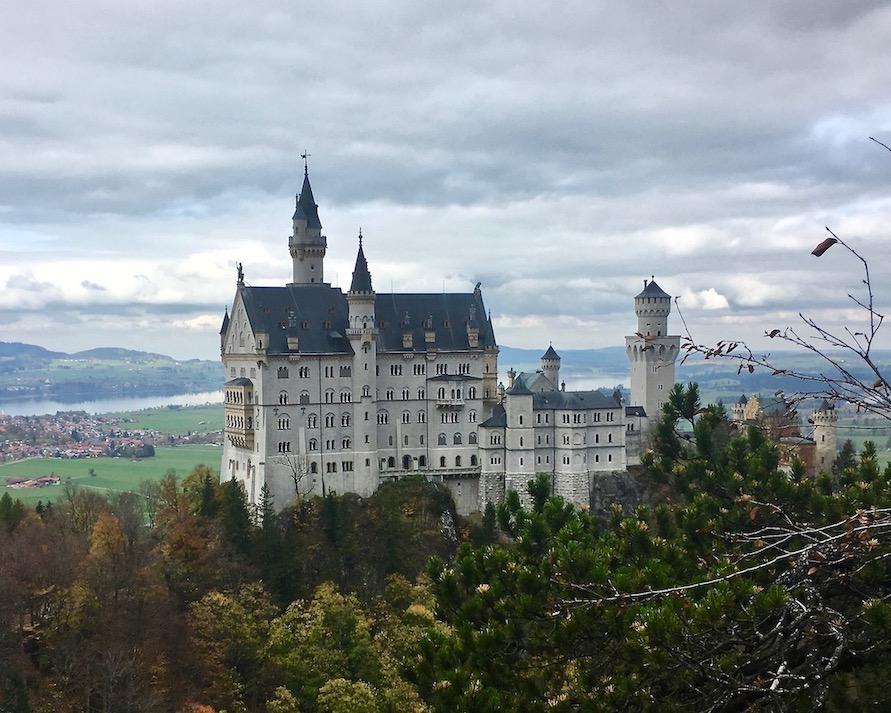 Schloss Neuschwanstein von der Marienbrücke Deutschland