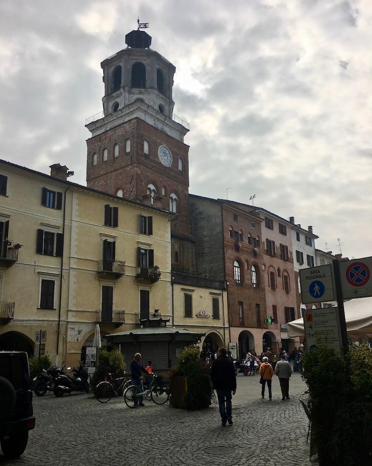 Torre del Comune Chiesa di San Giovanni Savigliano Piemont Italien