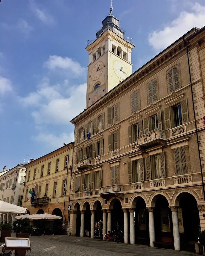 Turm Chiesa San Sebastiano Cuneo Italien
