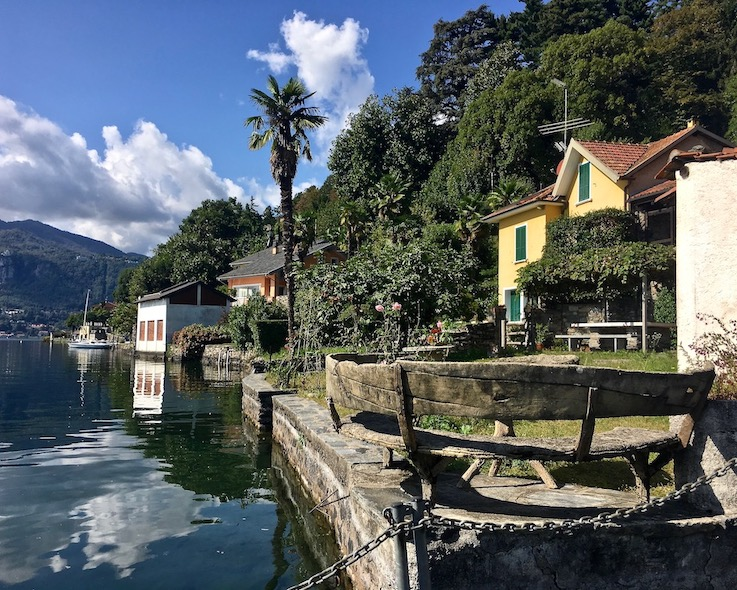 Orta San Giulio am Ortasee Piemont Italien Uferweg Orta San Giulio Ortasee Italien