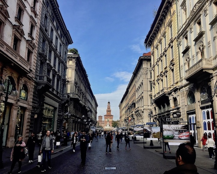 Via Dante Fußgängerzone Mailand Italien