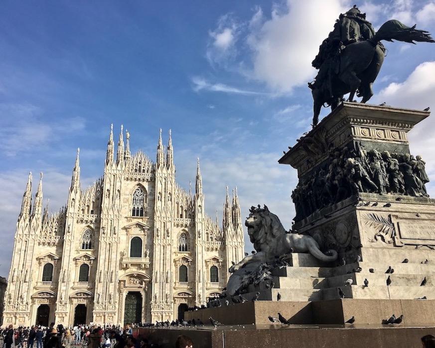 Vittorio Emanuele II vor dem Mailänder Dom Duomo di Milano Italien