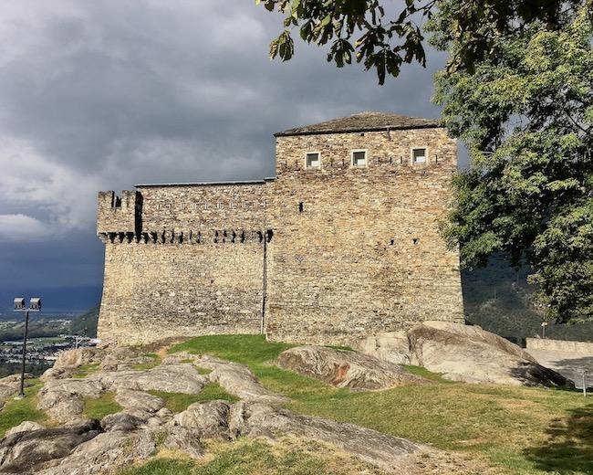 Bellinzona Historische-Altstadt Festungsanlagen UNESCO-Weltkulturerbe Tessin Schweiz Weltkulturerbe Burg Sasso Corbaro Bellinzona Schweiz