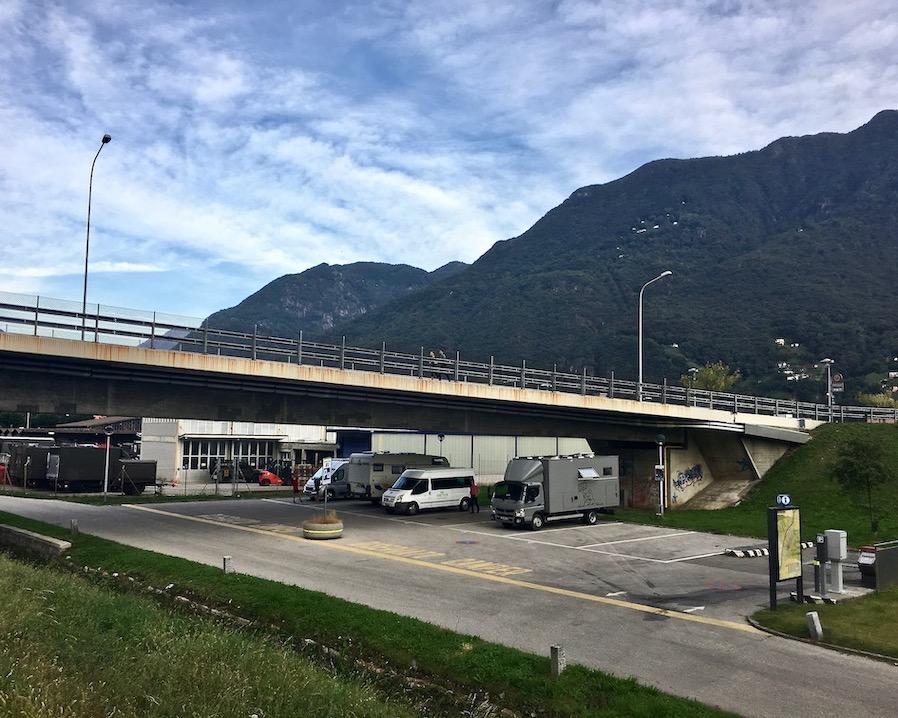 Bellinzona Historische-Altstadt Festungsanlagen UNESCO-Weltkulturerbe Tessin Schweiz Wohnmobil-Stellplatz mole-on-tour