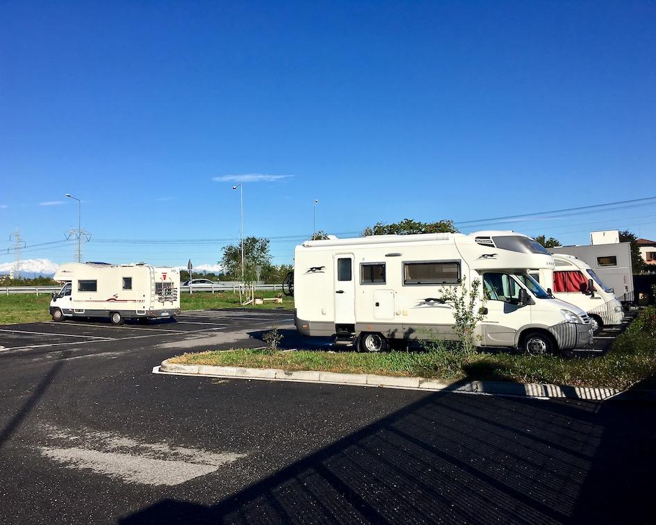 Wohnmobilstellplatz Camping Sport Magenta Italien für mole-on-tour