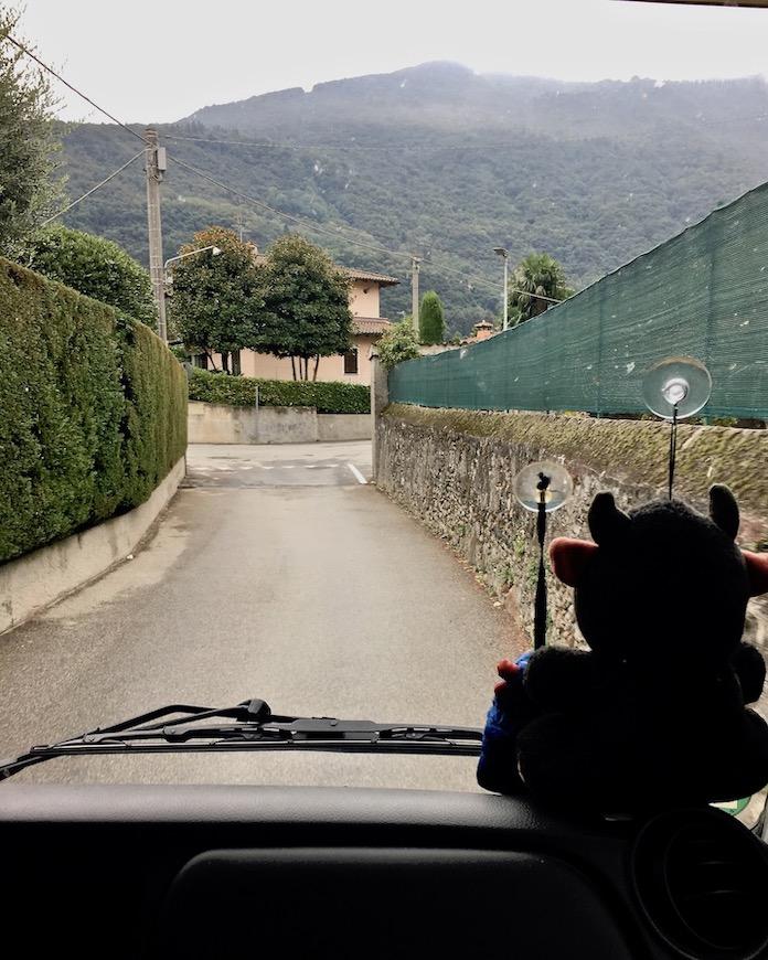 Zum Wohnmobilstellplatz von Cannobio Italien