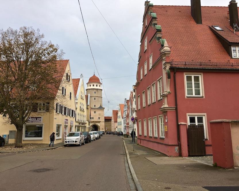Blick zum Deininger-Tor Nördlingen Deutschland