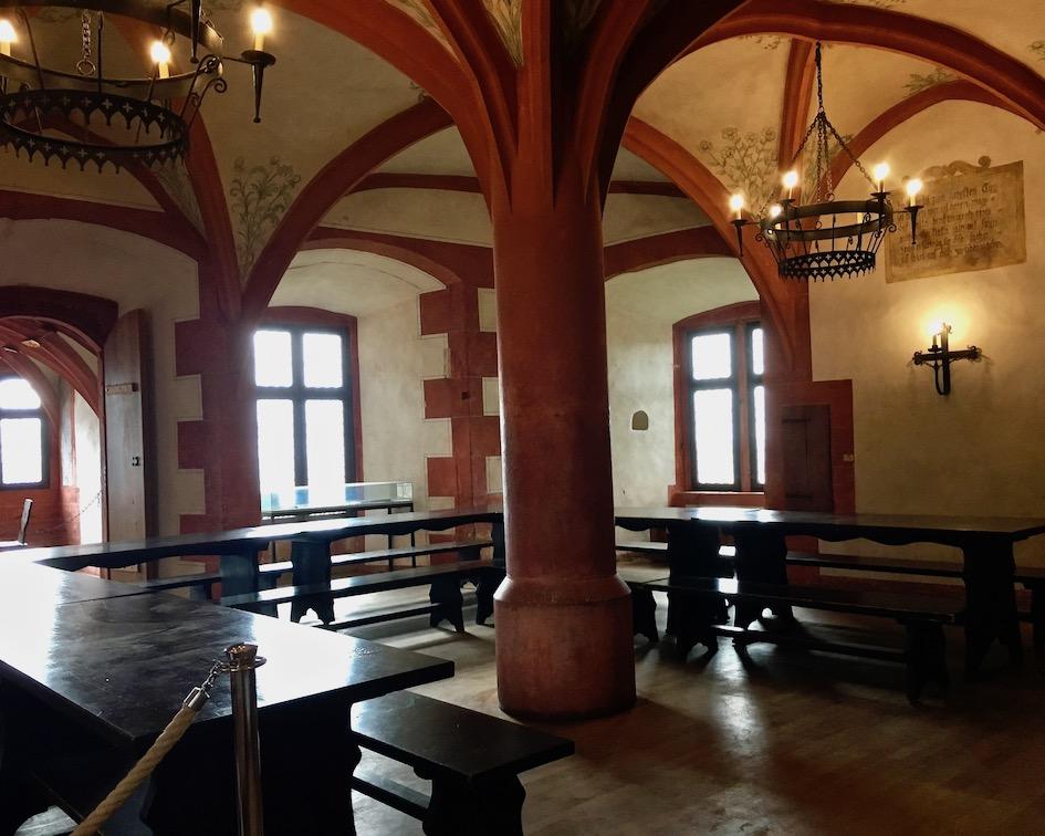 Burg Ronneburg Speisesaal mittelalterlicher Kochkurs Deutschland
