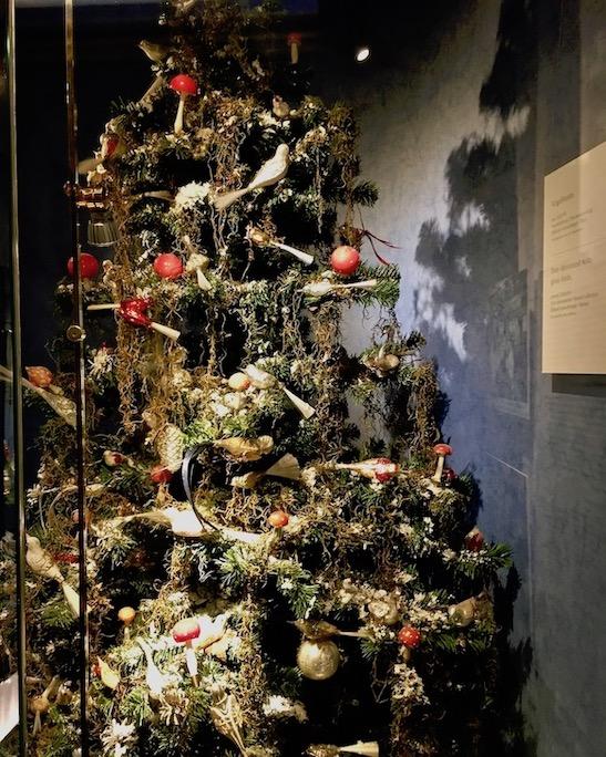 Deutsches Weihnachtsmuseum Rothenburg ob der Tauber Vogelbaum um 1900