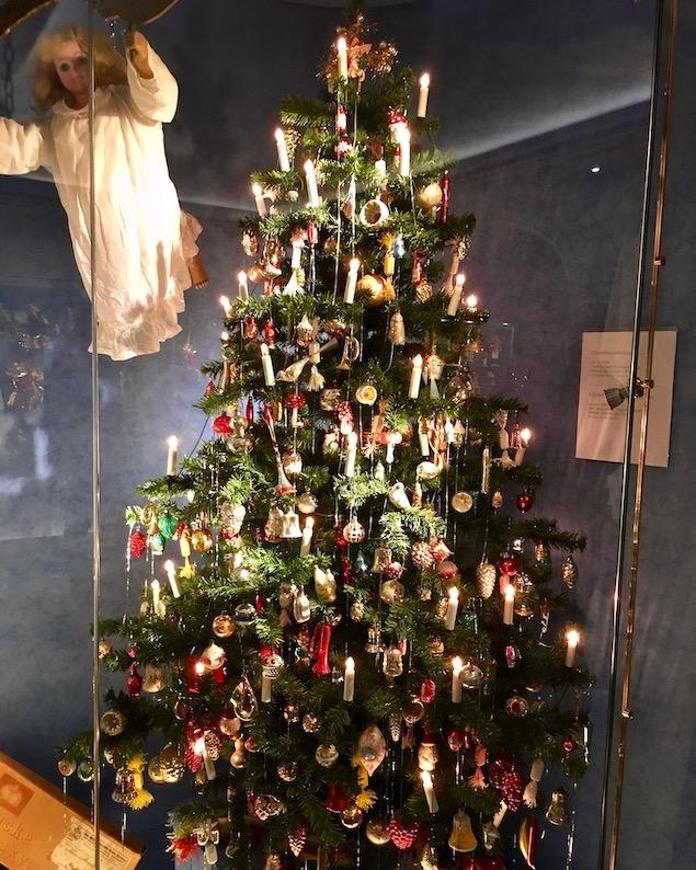 Deutsches Weihnachtsmuseum Rothenburg ob der Tauber Weihnachtsbaum um 1940