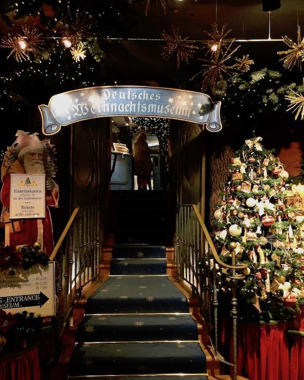 Eingang zum Deutschen Weihnachtsmuseum in Rothenburg ob der Tauber Deutschland