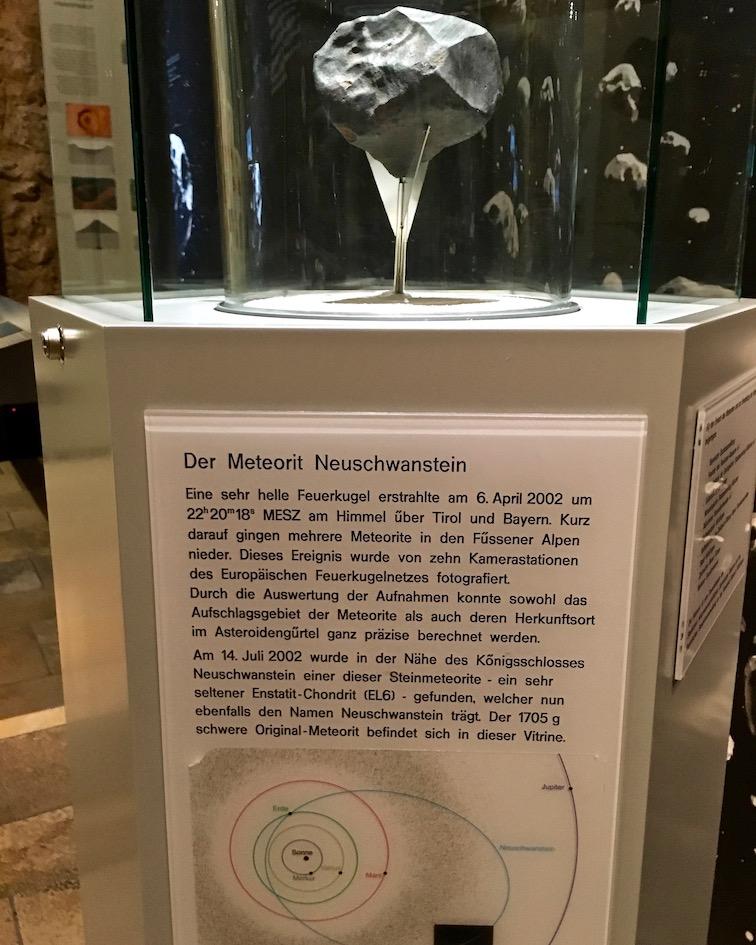 Meteorit Neuschwanstein im Ries-Krater-Museum Nördlingen