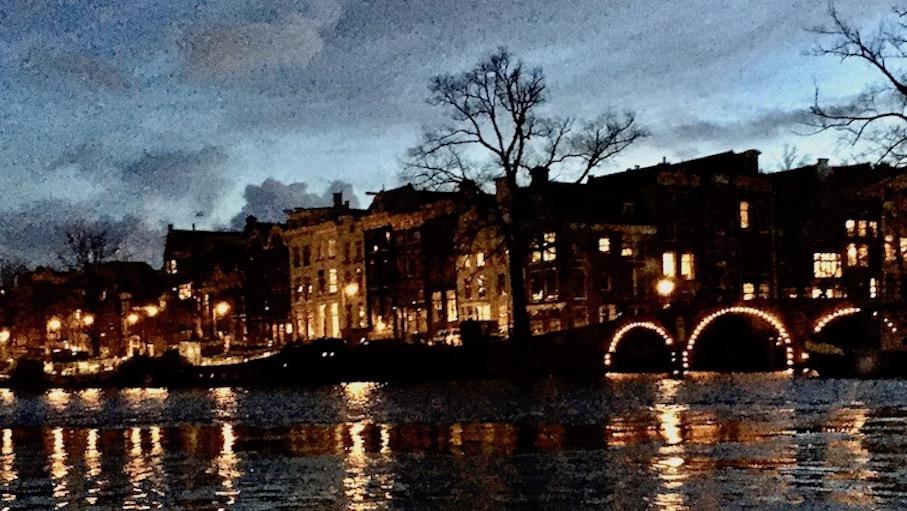 Amsterdamer Grachten am Abend Niederlande