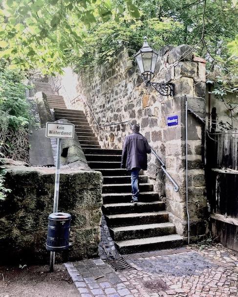 Aufstieg zum Münzenberg Quedlinburg Deutschland