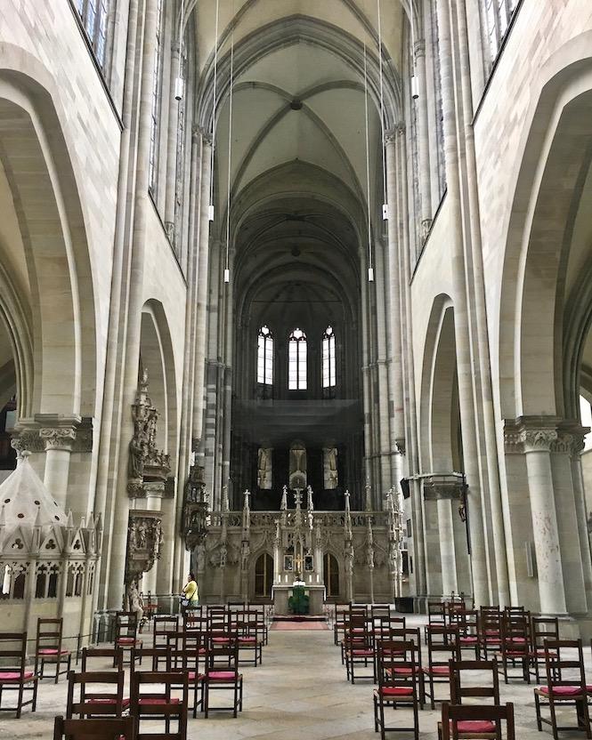 Magdeburger-Dom Blick zum Lettner im Langhaus