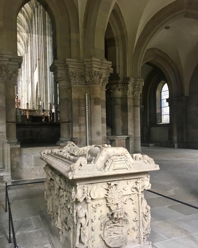 Magdeburger-Dom Edgithasarkopharg