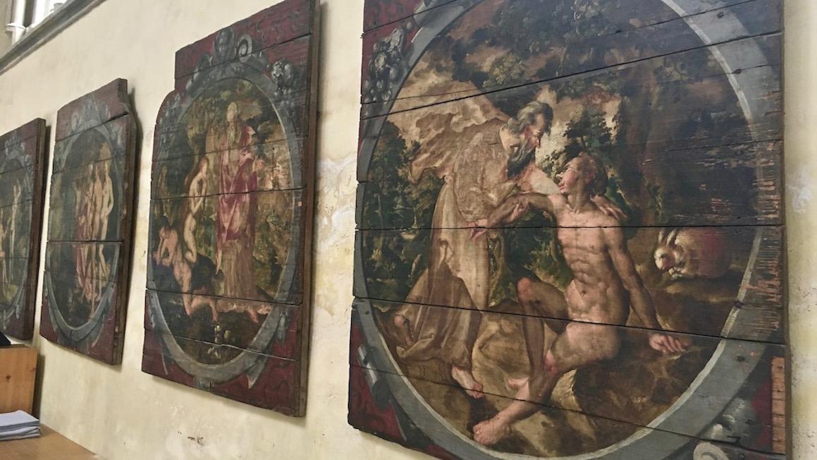 Magdeburger-Dom Paradiesvorhalle Reste bemalter Türverschlüsse