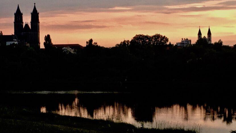 Magdeburger-Dom im Abendrot Magdeburg Deutschland