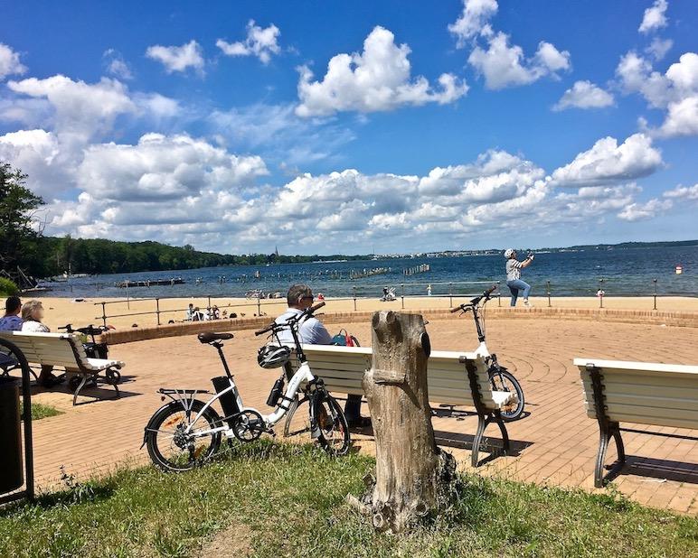 Pause am Zippendorfer-Strand Schwerin Deutschland
