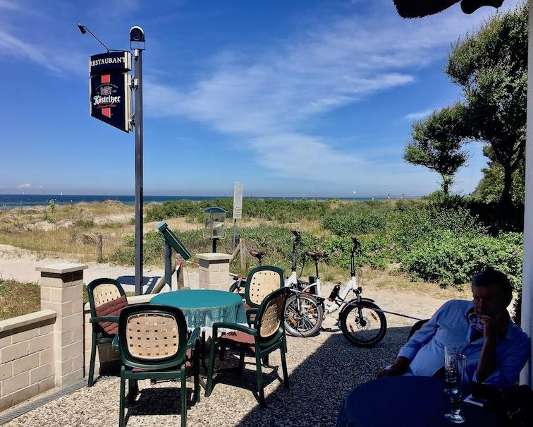 Restaurant-Strandperle am Strand Schwarzer Busch Insel Poel Ostsee Fahrradpause