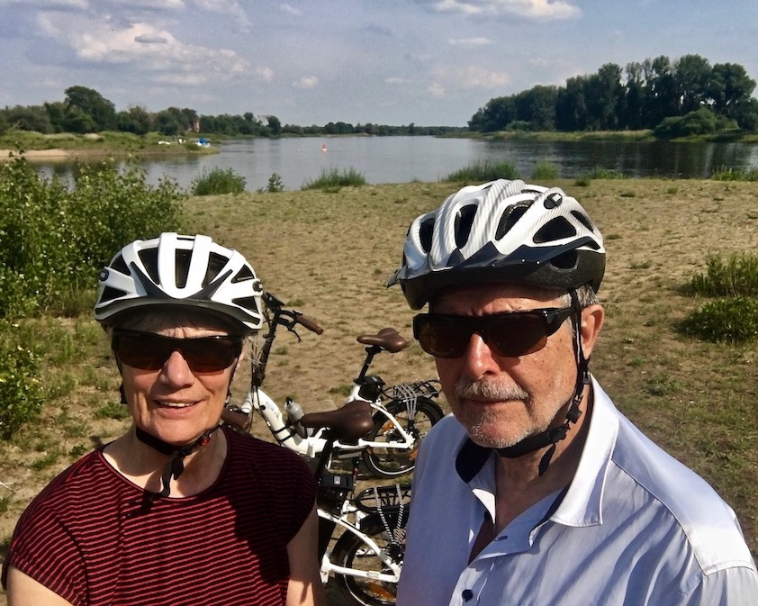 Rotehornpark-Magdeburg Zusammenfluß Alte-Elbe und Stromelbe Magdeburg Deutschland