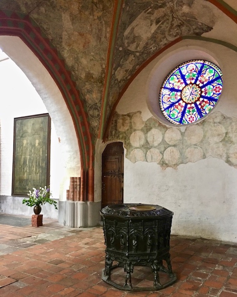 Schweriner Dom Taufbecken in der Mariae-Himmelfahrt-Kapelle Schwerin Deutschland