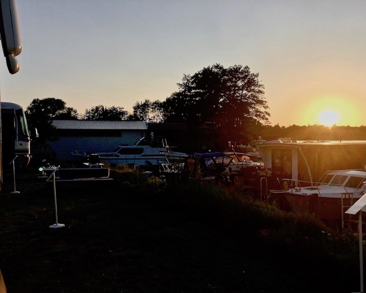 Sportbootzentrum am Ziegelsee Sonnenuntergang Schwerin Deutschland