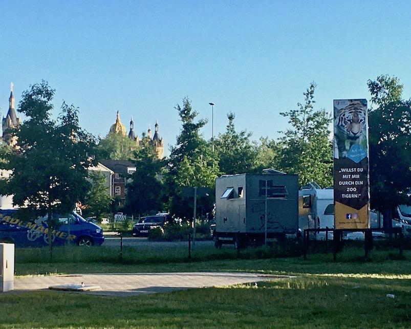 Wohnmobil-Stellplatz mole-on-tour Altstadt-Parkplatz am Stadthafen Schwerin