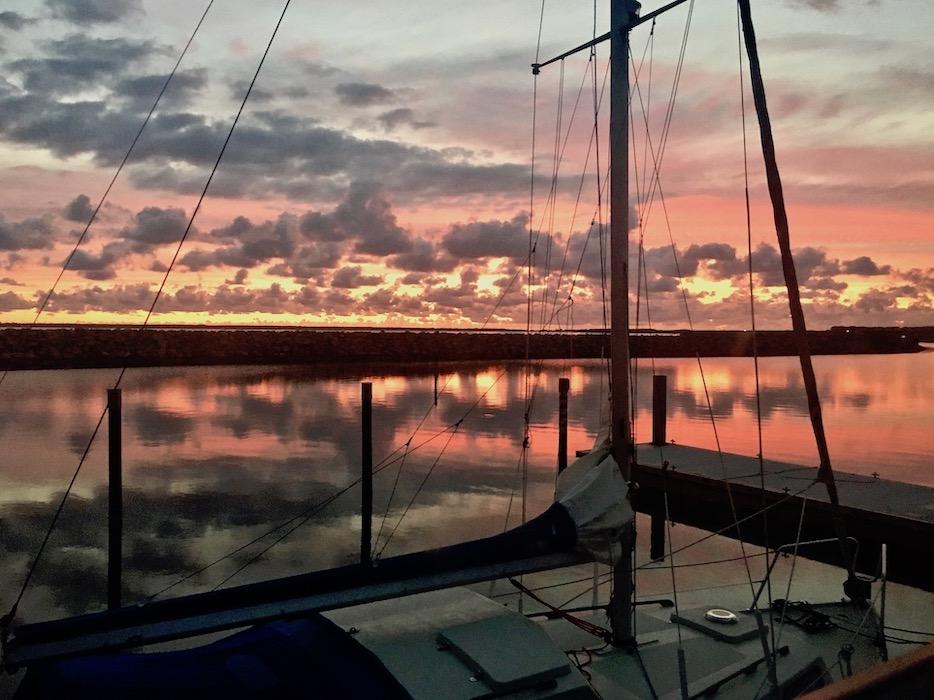 Barth Hafenbecken Sonnenaufgang