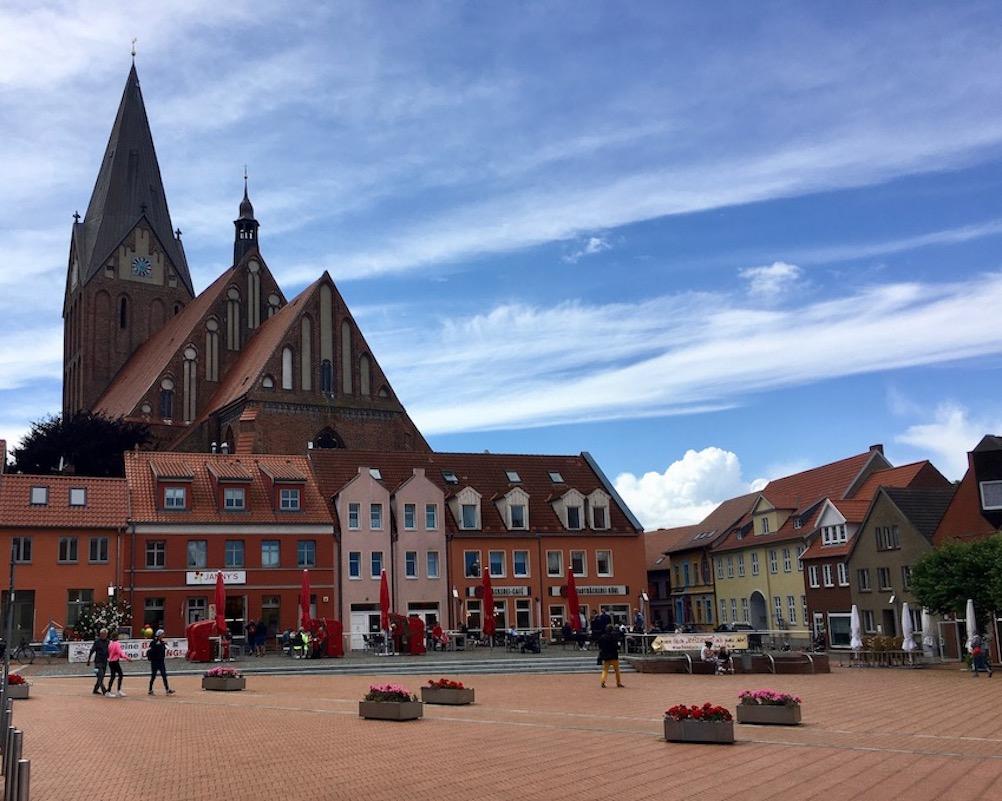 Barth Marktplatz mit St.Marien Kirche Barth Deutschland