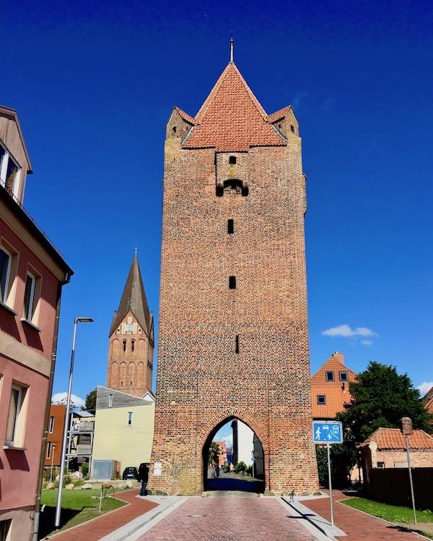 Barther Dammtor und St.Marien Kirche Barth Deutschland