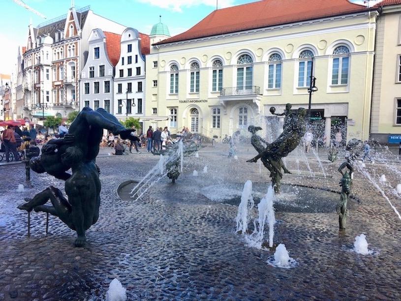 Brunnen-der-Lebensfreude Universitätsplatz Rostock