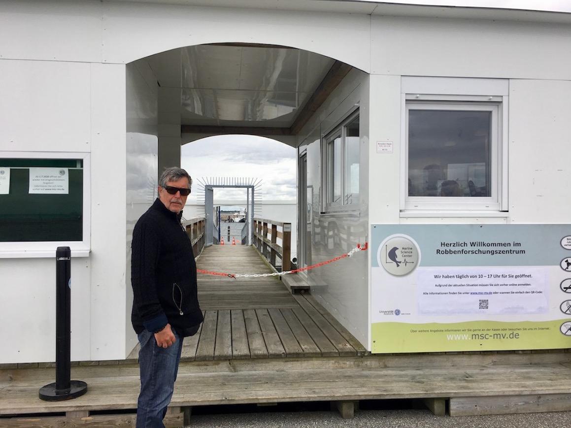 Eingang Robbenforschungszentrum Warnemünde-Rostock