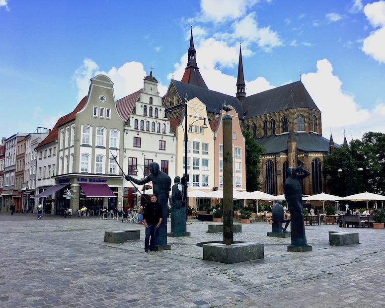 Möwenbrunnen am Neuen-Markt Rostock Deutschland