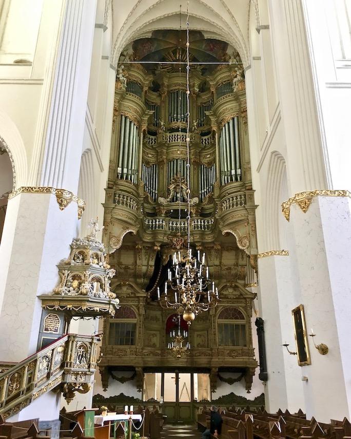 Marienkirche Rostock Orgel mit Fürstenloge Rostock Deutschland