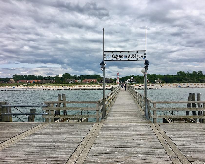 Seebrücke-Ostseebad-Wustrow Fischland Deutschland