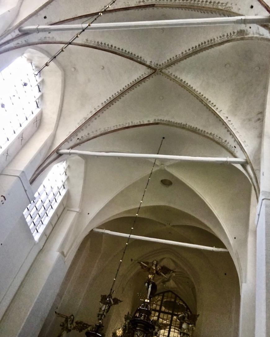 St.Marienkirche Stralsund Kreuzrippengewölbe und Orgel