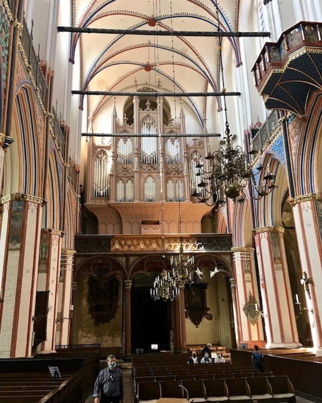 St.Nikolai-Kirche Stralsund Mittelschiff mit Buchholz-Orgel Stralsund Deutschland