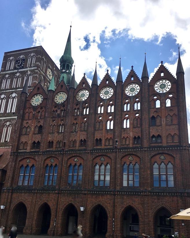 Stralsunder Rathaus Schaufassade Backsteingotik Stralsund Deutschland