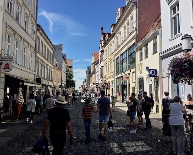 Hansestadt Greifswald Deutschland Fußgängerzone Lange-Sraße