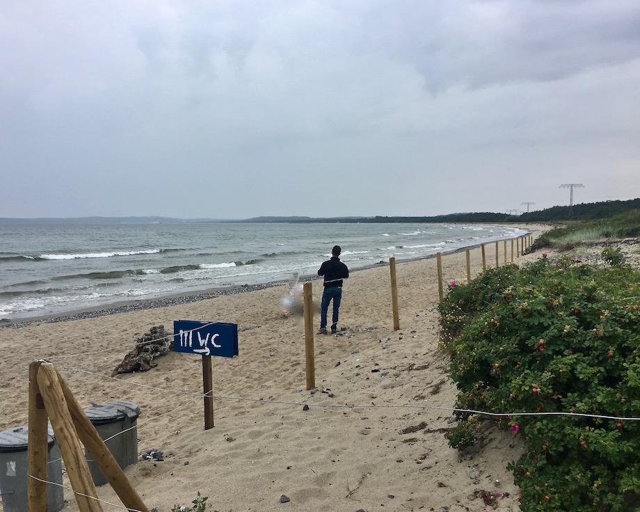 Insel Rügen Neu Mukran Strand mit Blick nach Prora